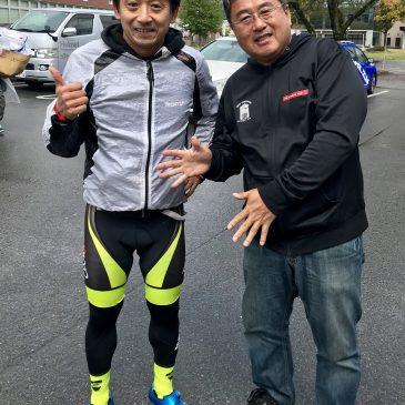 【 走る理事長と!】